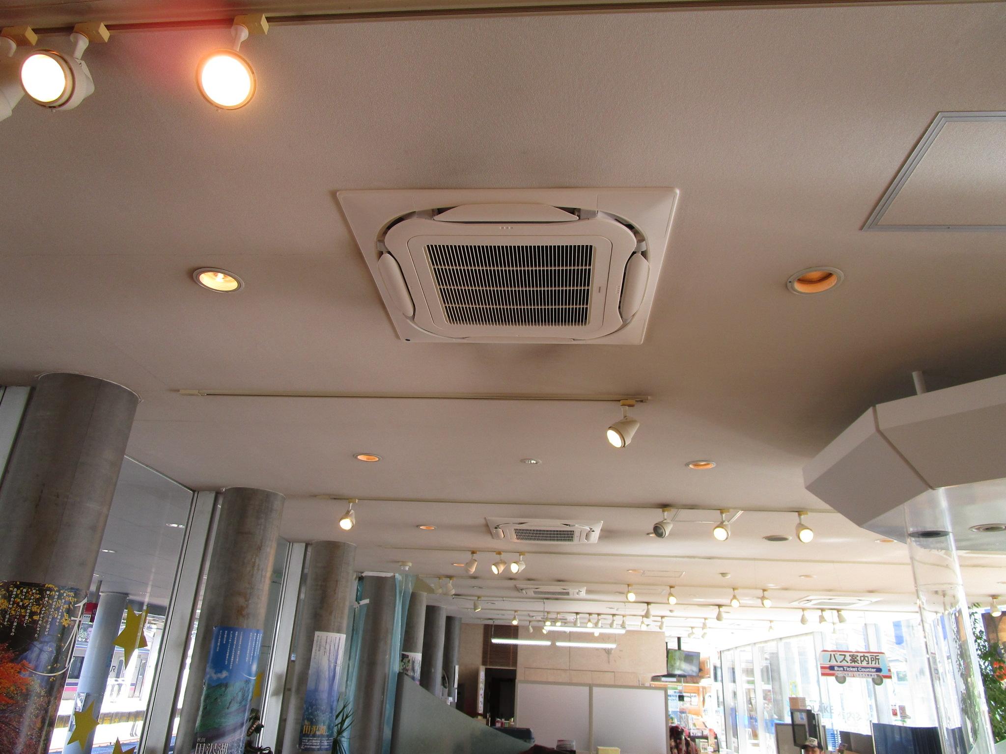 観光情報センター「フォレイク」 エアコン取付